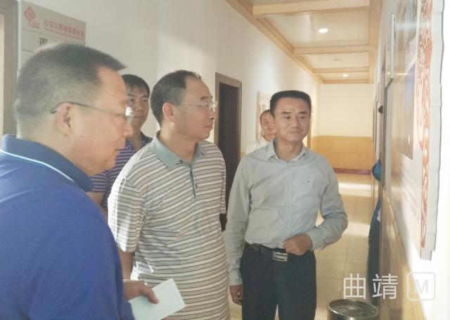 朱家甫到保渡社区调研基层党建工作